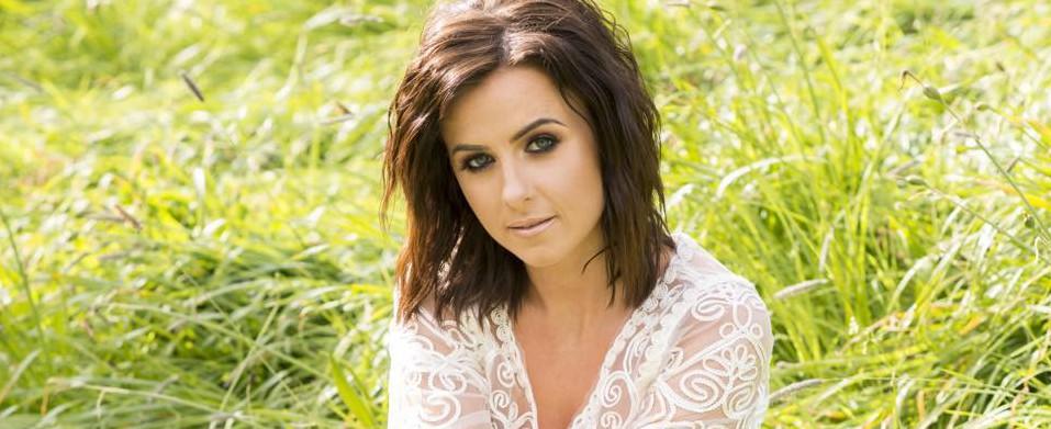Brunette Country Singer 67